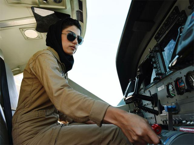 First fixed-wing female pilot